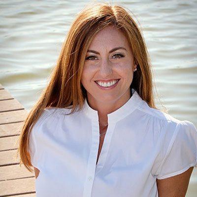 Chiropractor St Petersburg FL Danielle Hood